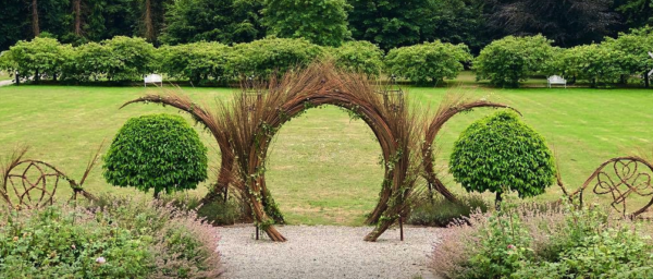Willow Sculptor
